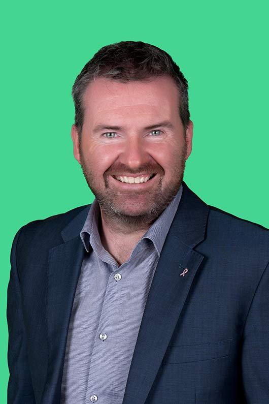 Пол Стивенс директор по продажам Эйвон в Великобритании