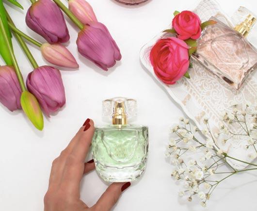 Мишель Ван Дин из нашей команды парфюмеров в Инновационном центре Avon рассказывает о важной связи между эмоциями и ароматом