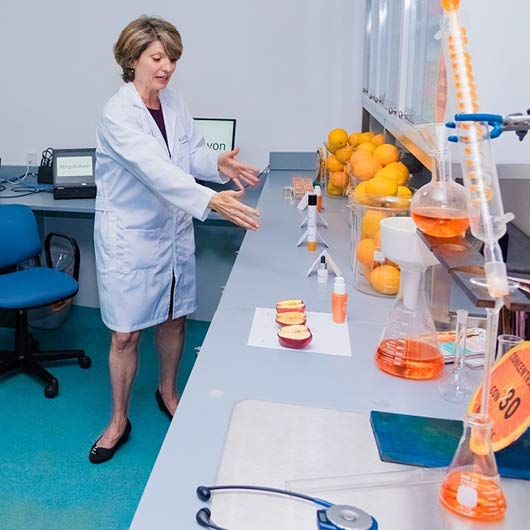Avon открывает новую лабораторию исследований и разработок